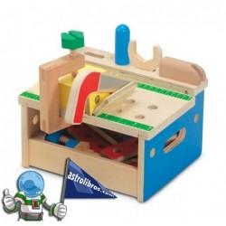 Banco de herramientas en madera.