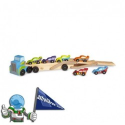 Camión remolcador de madera con 8 coches de carreras